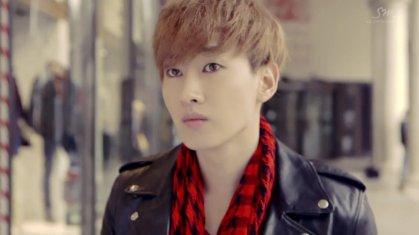 Super Junior Donghae & Eunhyuk_아직도 난 (Still You)_Music Video-016