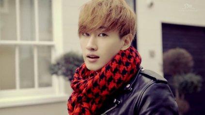 Super Junior Donghae & Eunhyuk_아직도 난 (Still You)_Music Video-031